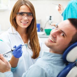 Когда следует посетить стоматолога-терапевта